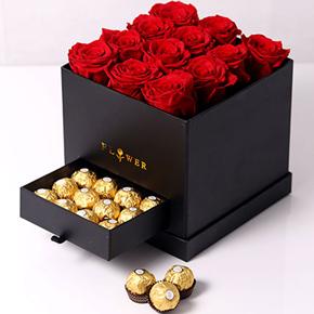 alanya Çiçek Kare Kutuda Gül ve Çikolata