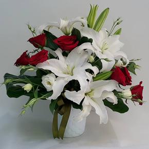 заказать доставку букета цветов в алании на нашем сайте Лилии и розы