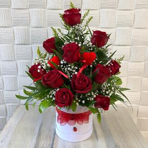güllerden Özel tasarım Beyaz Kutuda 11 Gül