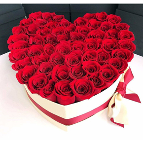 güllerden Özel tasarım Kalp Güller